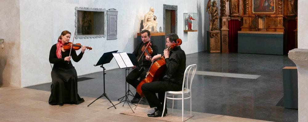 Hniličkovo smyčcové trio
